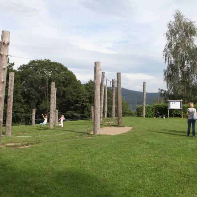 Nízkolanové aktivity na hřišti za Priessnitzem